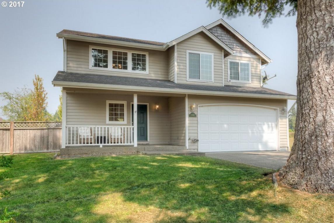 36142 River Point Dr, Astoria, OR 97103