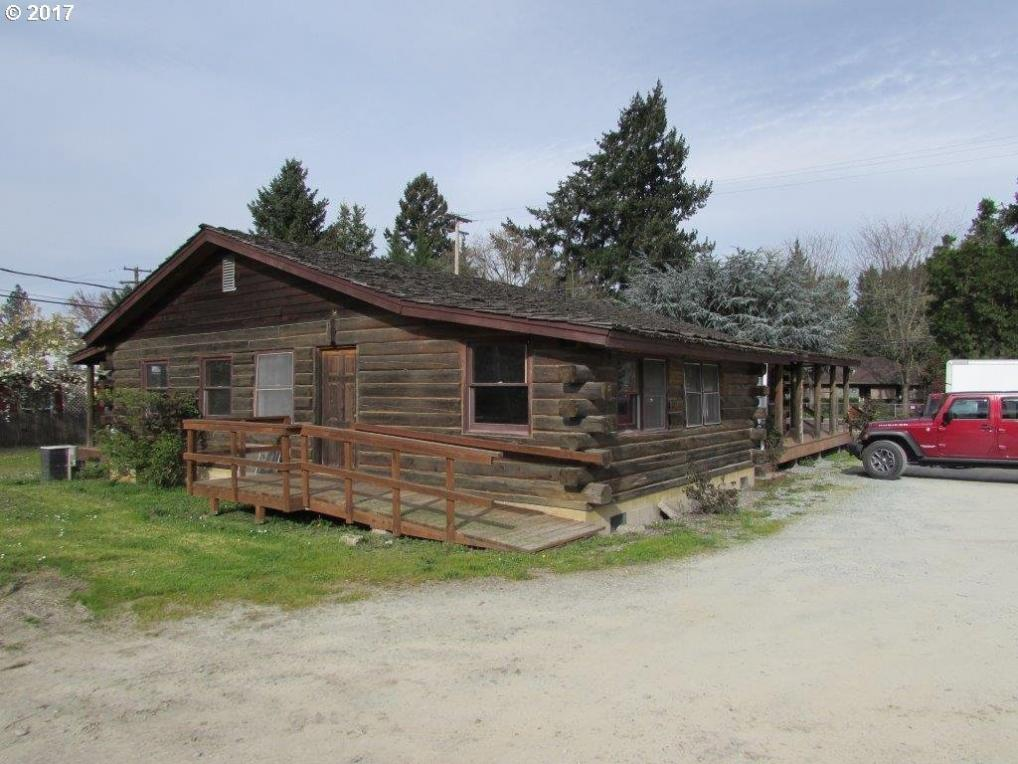 115 Phillips St, Canyonville, OR 97417