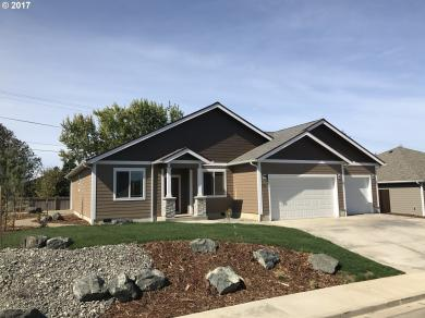 3550 Brussels St, North Bend, OR 97459