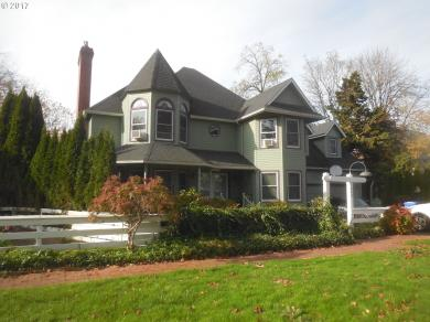 1522 Cal Young Rd, Eugene, OR 97401