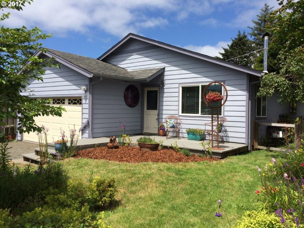 846 13th Ave, Seaside, OR 97138