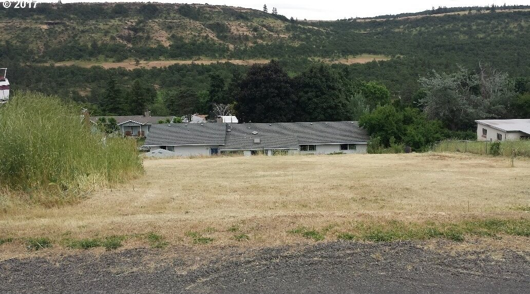 2n 13e 30 Ca 2400, The Dalles, OR 97058