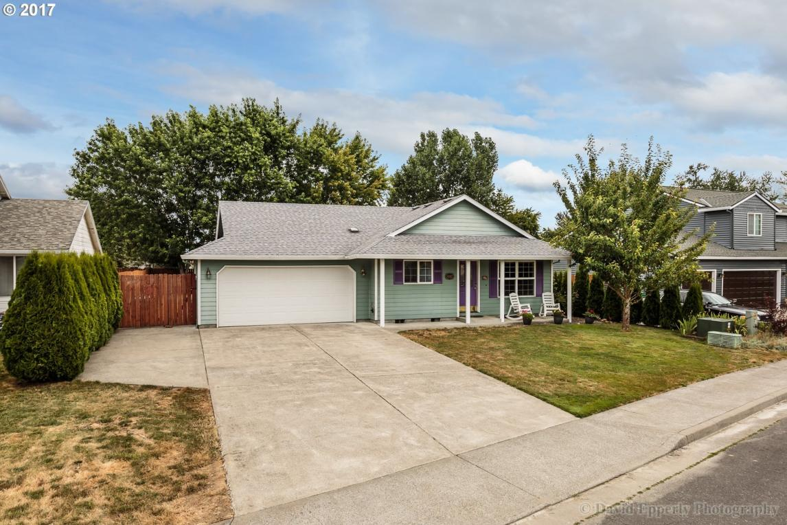 34367 Heron Meadows Dr, Scappoose, OR 97056