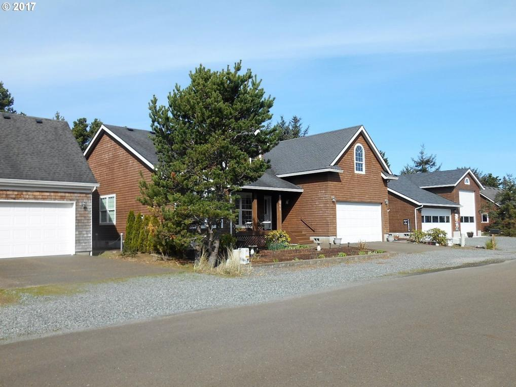 26562 White Dove Ave, Rockaway Beach, OR 97136