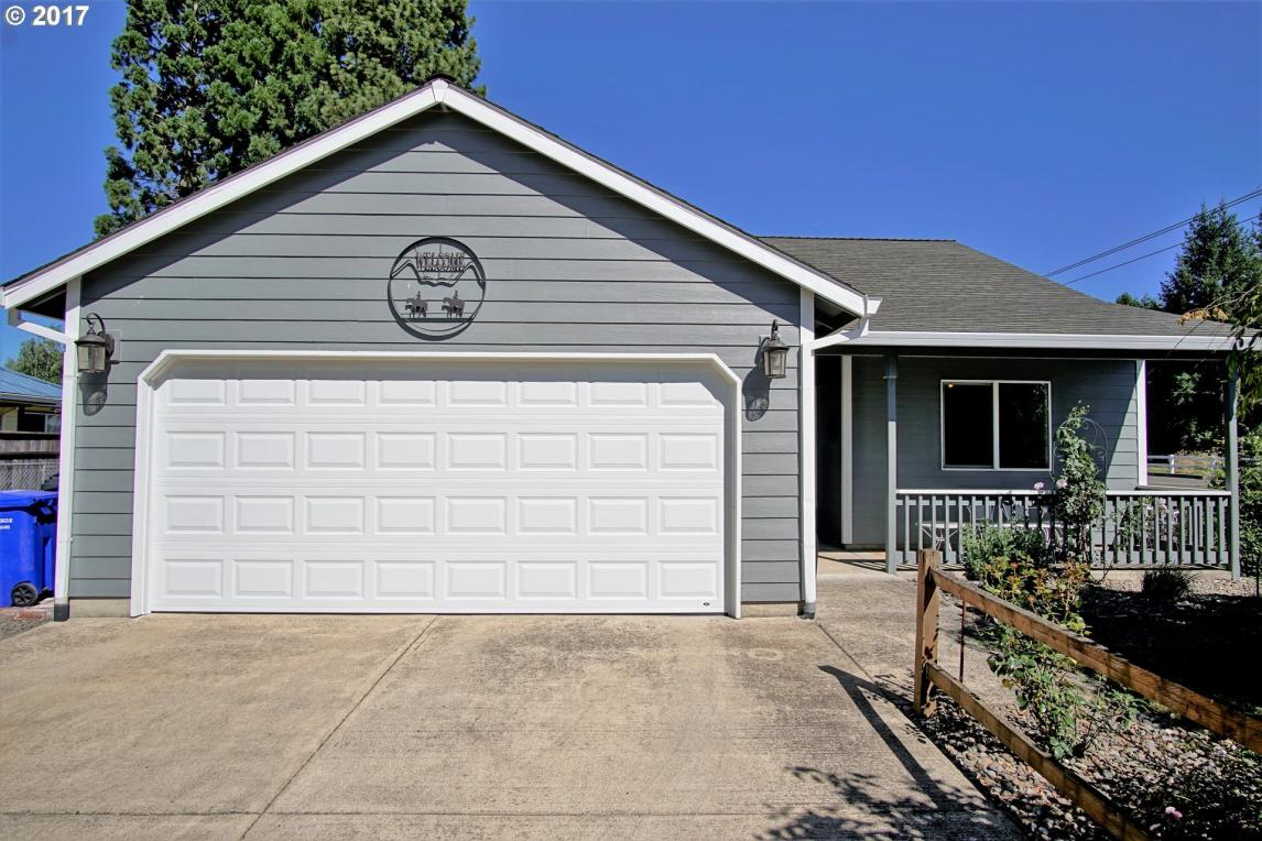 1115 Toliver Rd, Molalla, OR 97038