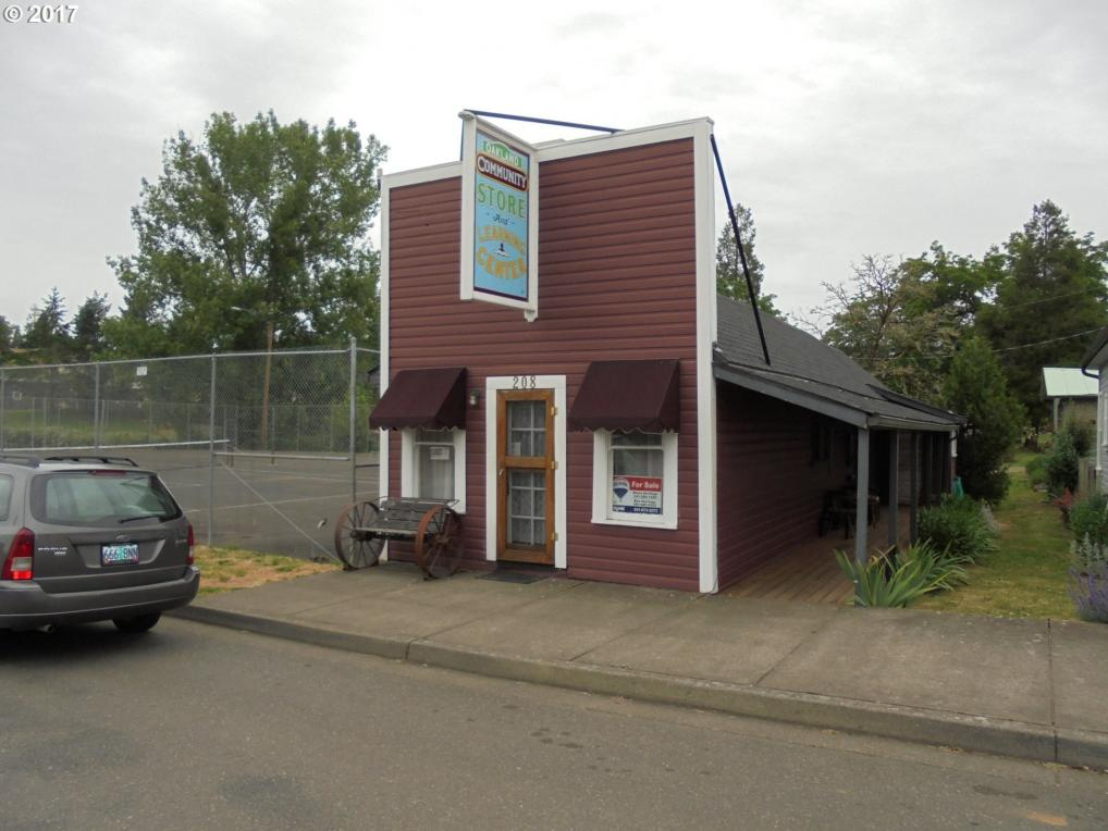 208 NE Second St, Oakland, OR 97462