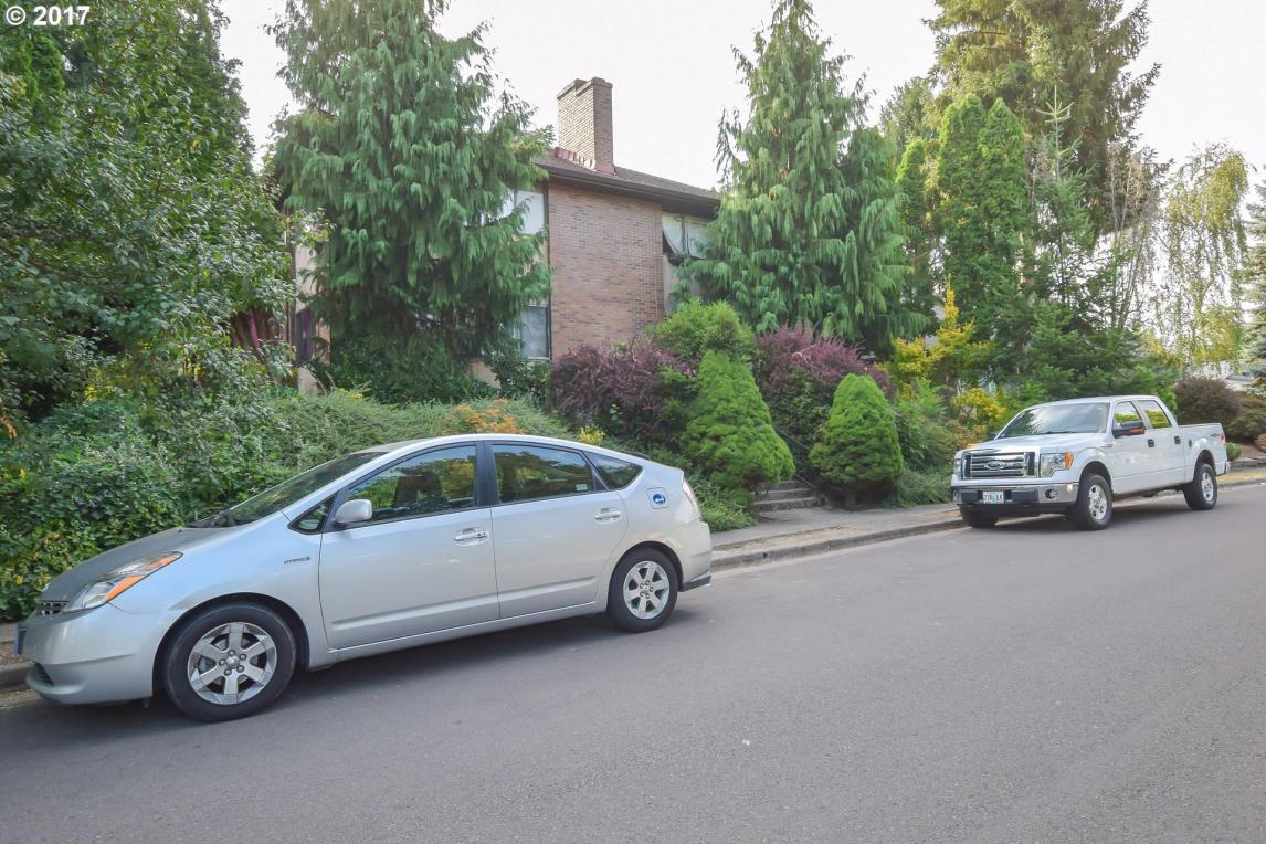 6141 SW Valley Ave, Beaverton, OR 97008
