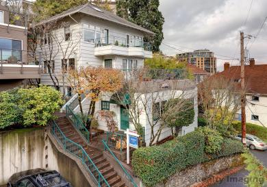 821 SW Green Ave #1, Portland, OR 97205