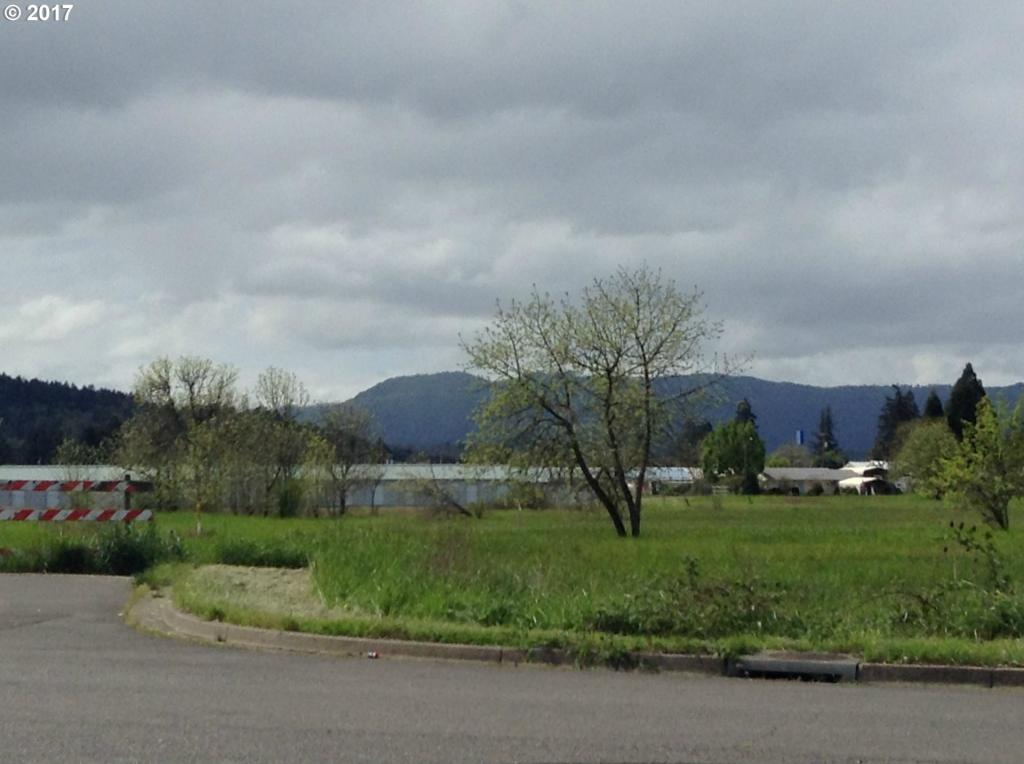 Taylor St, Sutherlin, OR 97479