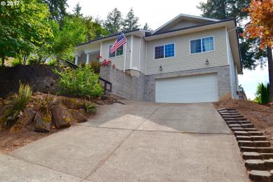 1172 S 69th Pl, Springfield, OR 97478