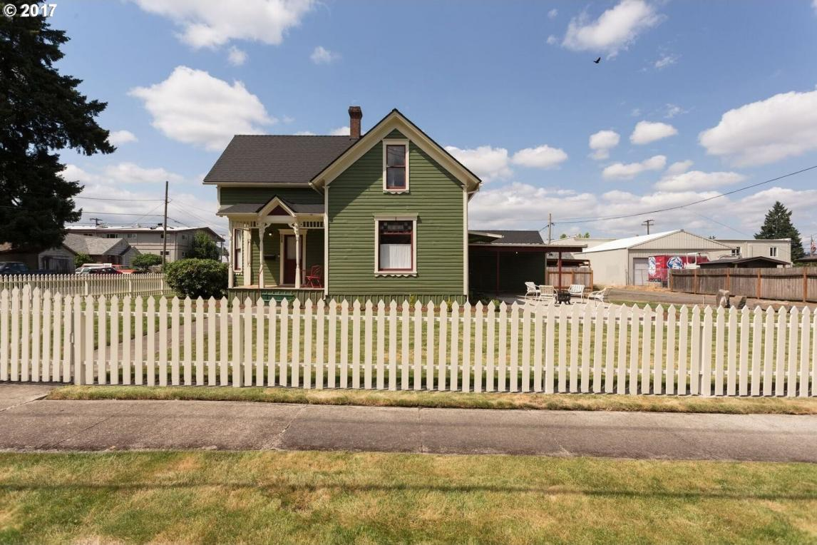 801 E 3rd St, Newberg, OR 97132