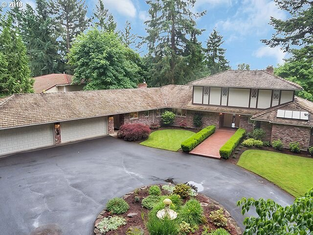31000 SW River Lane Rd, West Linn, OR 97068