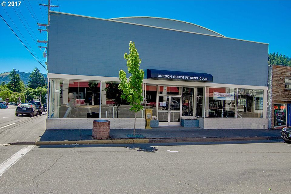 135 NW Second Ave, Myrtle Creek, OR 97457