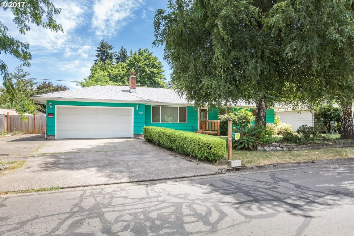 983 S 40th Pl, Springfield, OR 97478