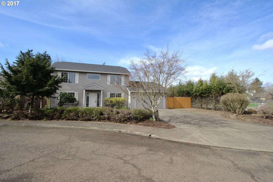 1357 S Baywood Ct, Canby, OR 97013