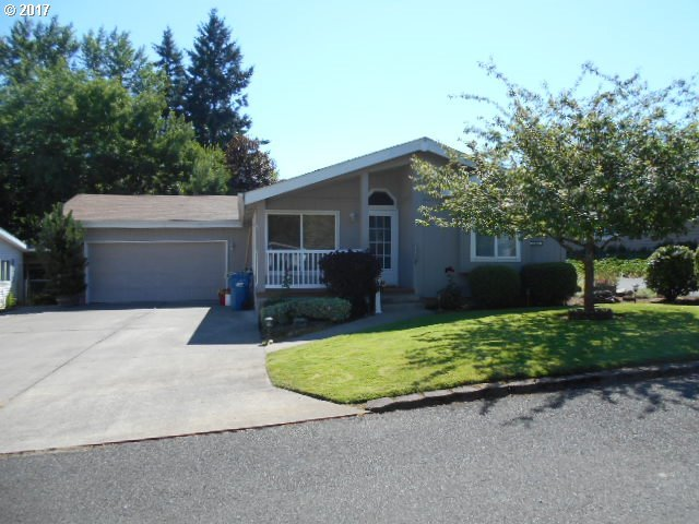 1880 Woodland Ave, Woodburn, OR 97071