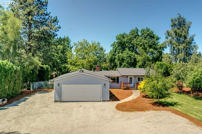 1172 S End Rd, Oregon City, OR 97045