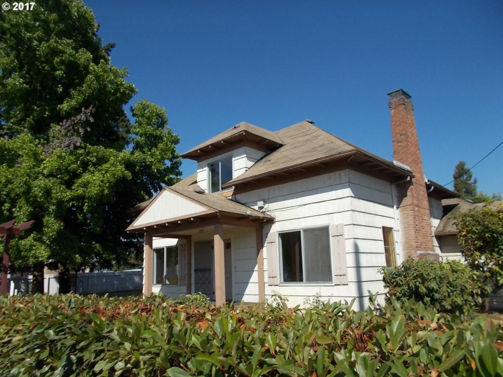 144 E Second Ave, Riddle, OR 97469
