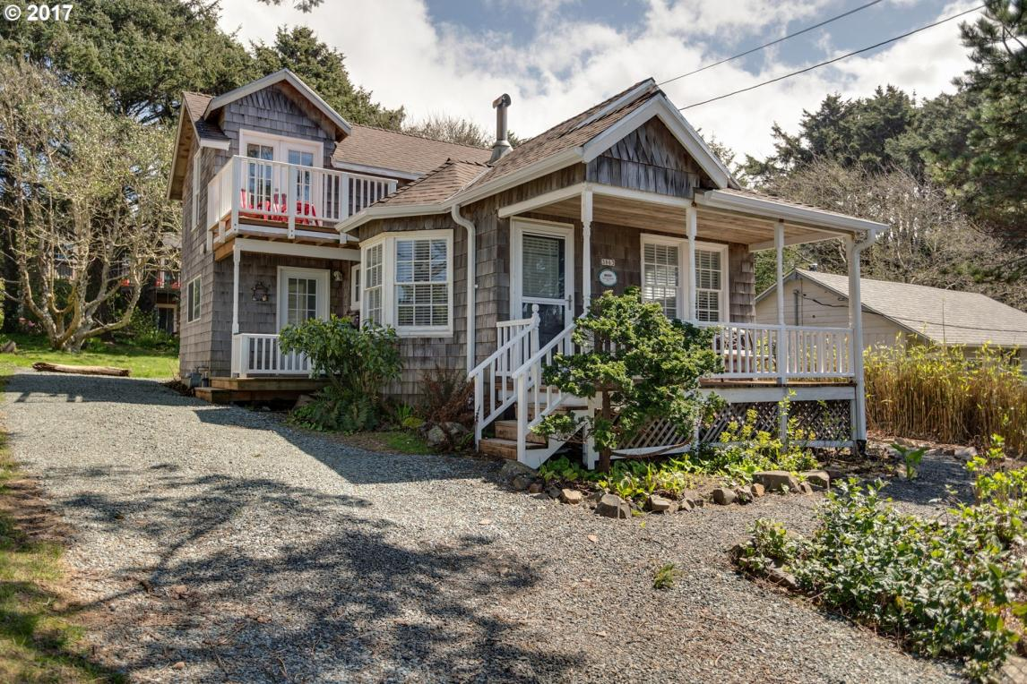 3863 Pacific Ave, Cannon Beach, OR 97110
