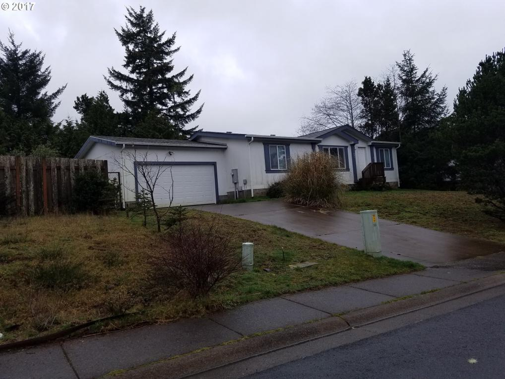 485 SW Double Eagle Dr, Waldport, OR 97394