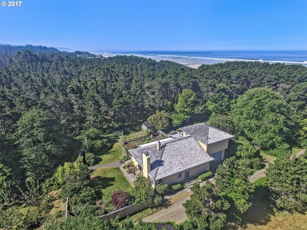 5554 NW Pacific Coast Hwy, Seal Rock, OR 97376