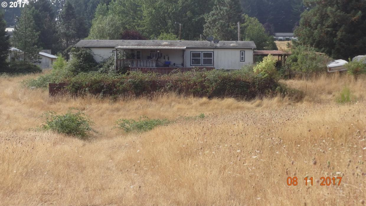 1099 Hayhurst Rd, Yoncalla, OR 97499