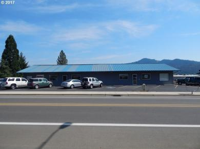 446 S Comstock Rd, Sutherlin, OR 97479