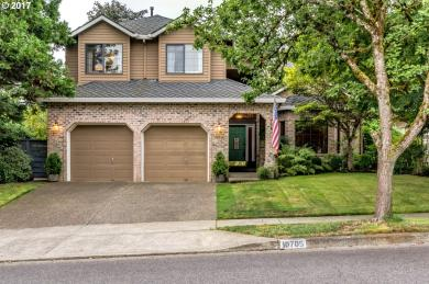 10705 SW Heron Cir, Beaverton, OR 97007
