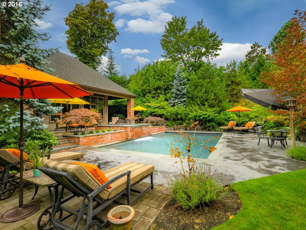1710 SW Military Rd, Portland, OR 97219