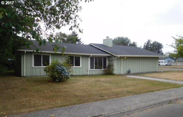 242 NW 1st St, Warrenton, OR 97146