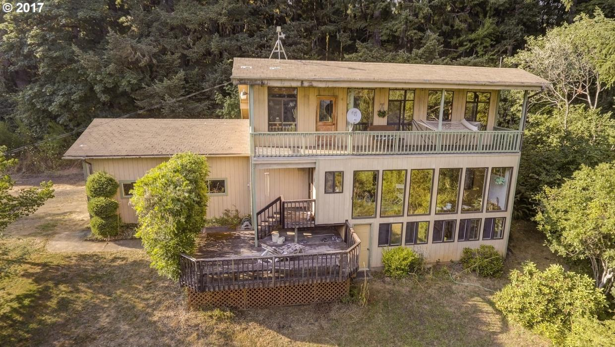 24900 SW Shadow Ln, Grand Ronde, OR 97347