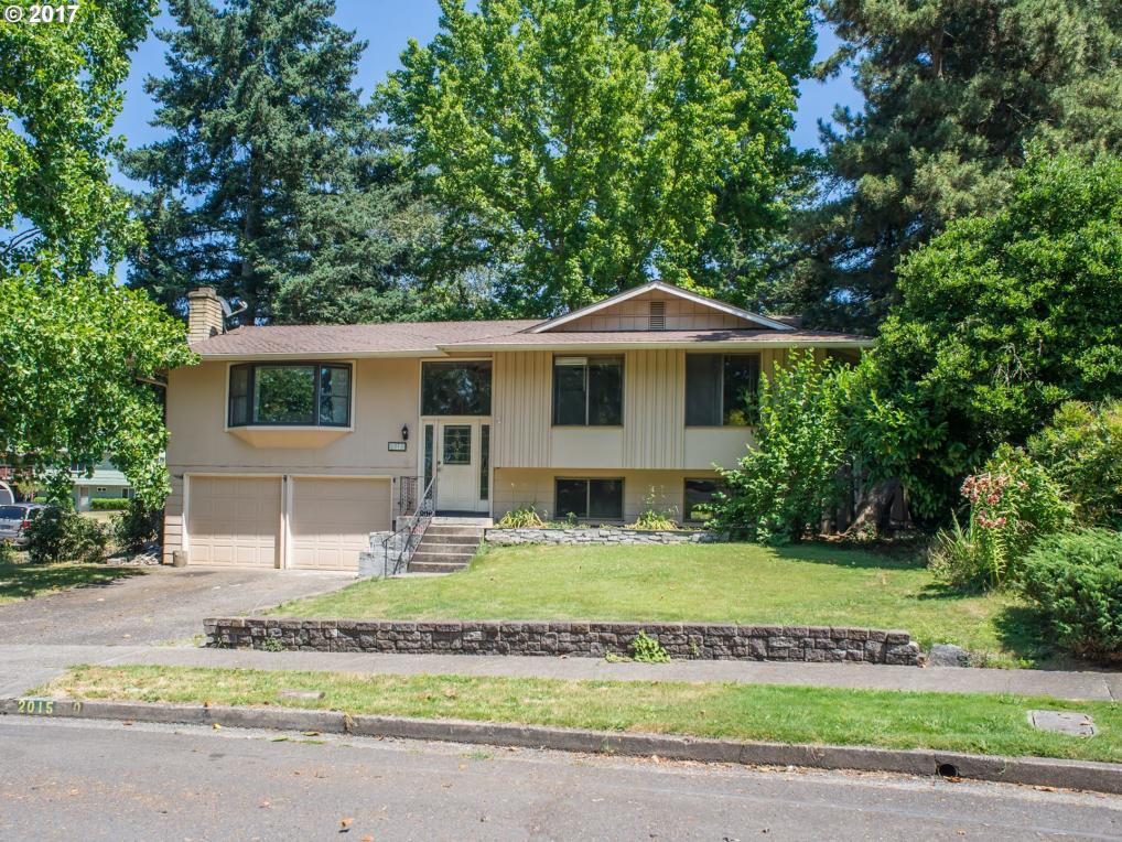 2015 Coventry Way, Eugene, OR 97405