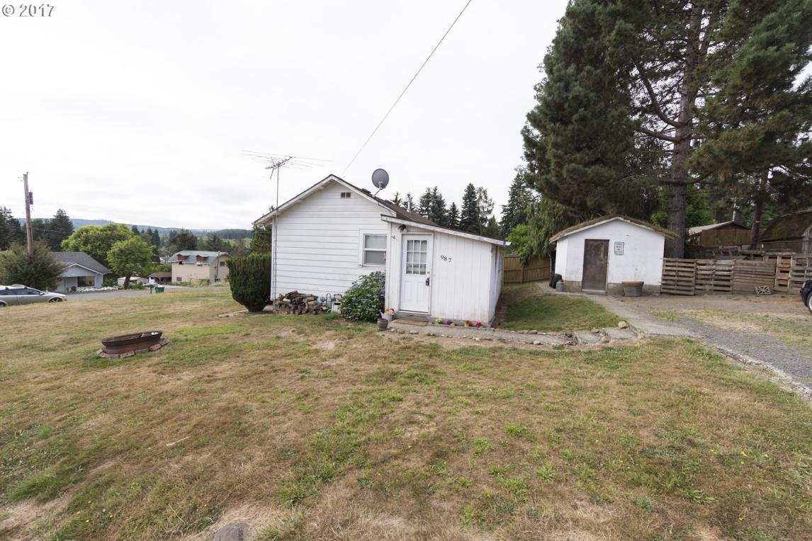 987 2nd Ave, Vernonia, OR 97064