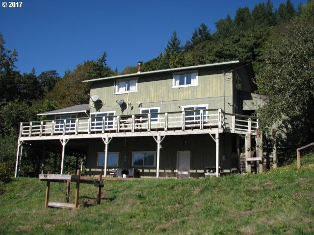 15791 Lower Smith River Rd, Reedsport, OR 97467