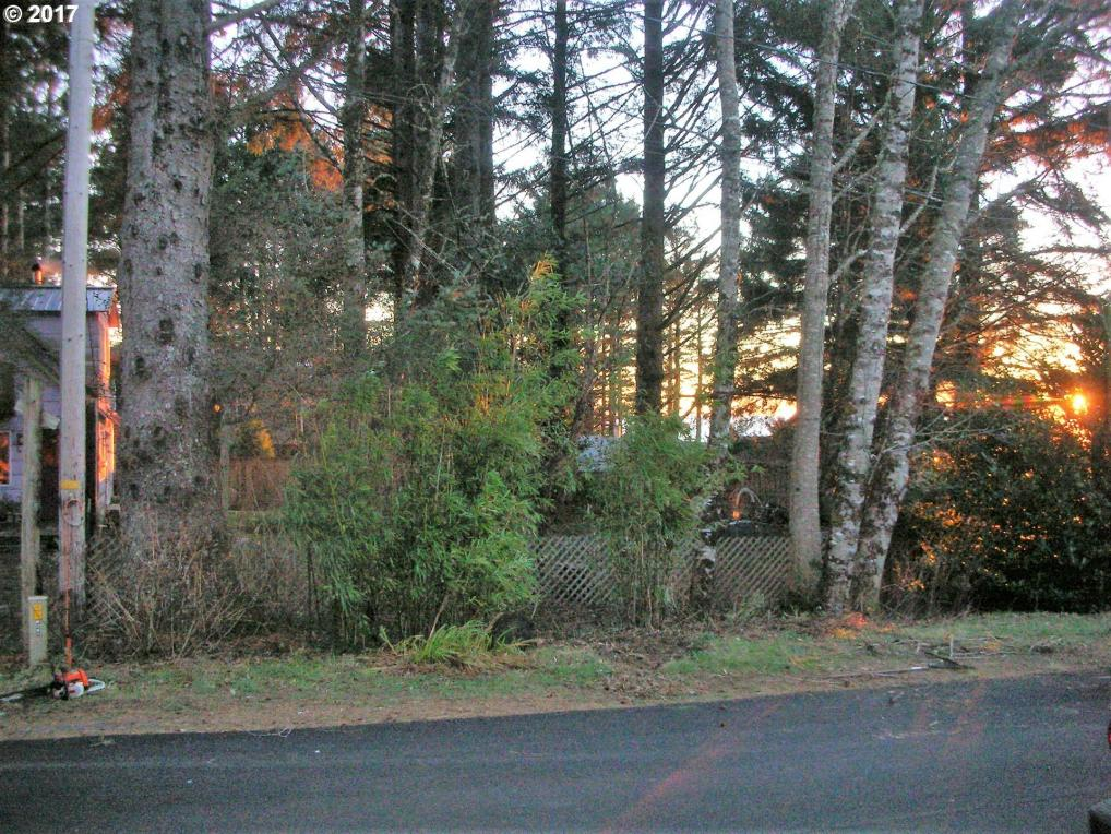 4th St, Manzanita, OR 97130