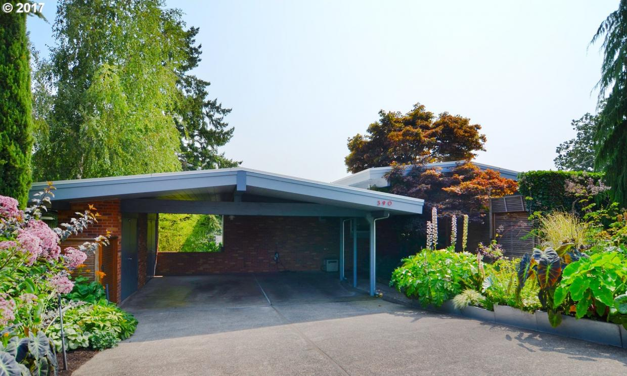 390 W 27th Ave, Eugene, OR 97405