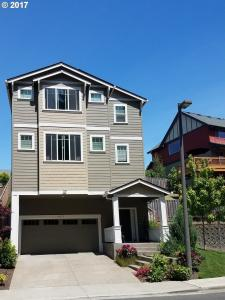 9575 NW Harvest Hill Dr, Portland, OR 97229