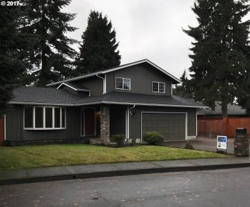 734 N 66th St, Springfield, OR 97478