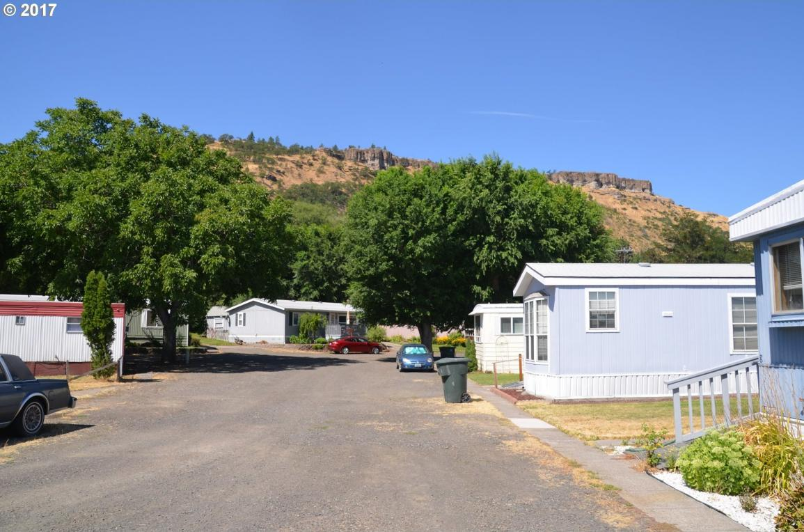 3319 W 10th St, The Dalles, OR 97058