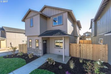 130 NW 30th St, Redmond, OR 97756