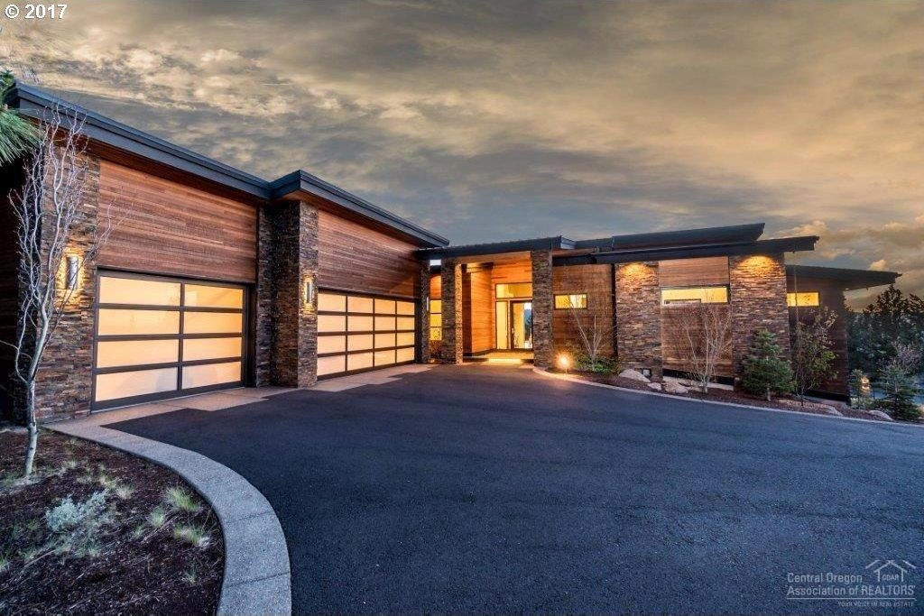3202 NW Starview Dr, Bend, OR 97703