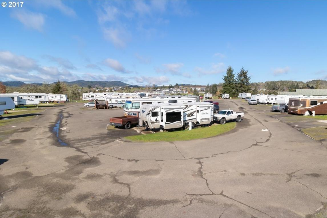 1916 Recreation Ln, Sutherlin, OR 97479