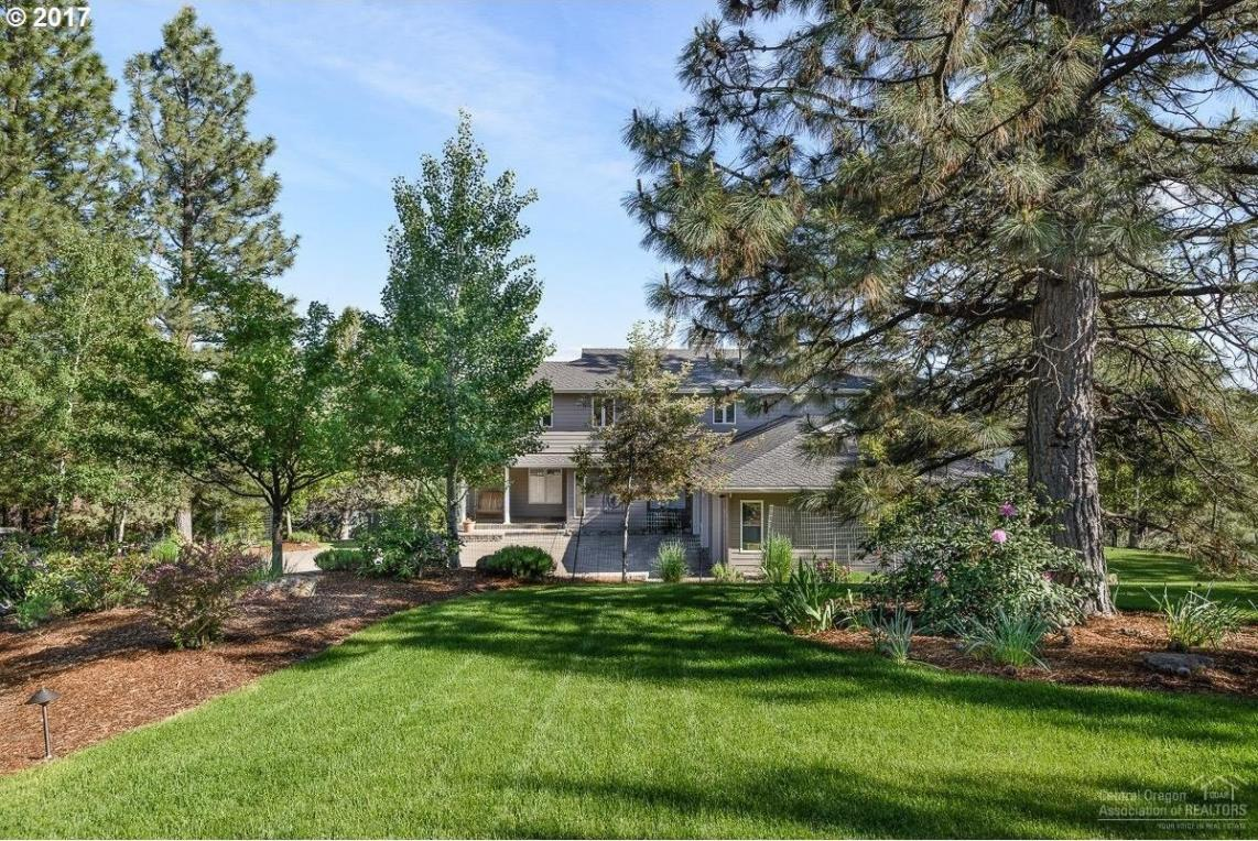 1539 NW Summit Dr, Bend, OR 97703