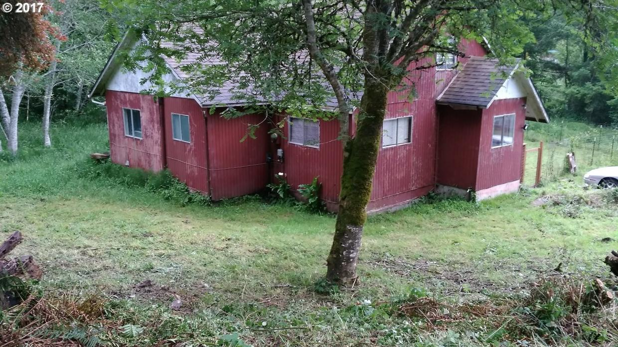 92759 Libby Ln, Coos Bay, OR 97420