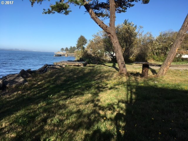 91665 Cape Arago Hy, Coos Bay, OR 97420