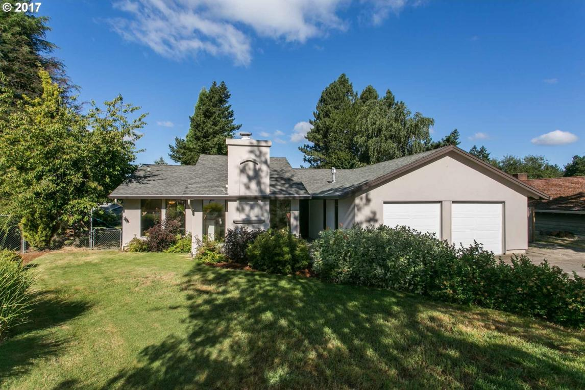 2464 Donegal Ct, West Linn, OR 97068