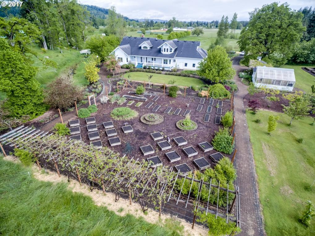 82236 Hillview Dr, Creswell, OR 97426