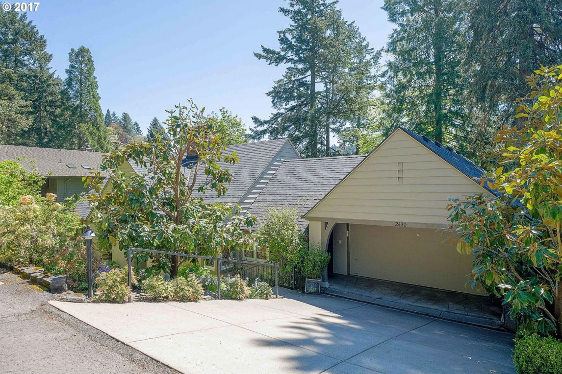 2430 Summit Ct, Lake Oswego, OR 97034