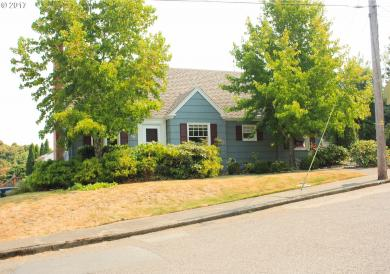 526 S 11th, Coos Bay, OR 97420