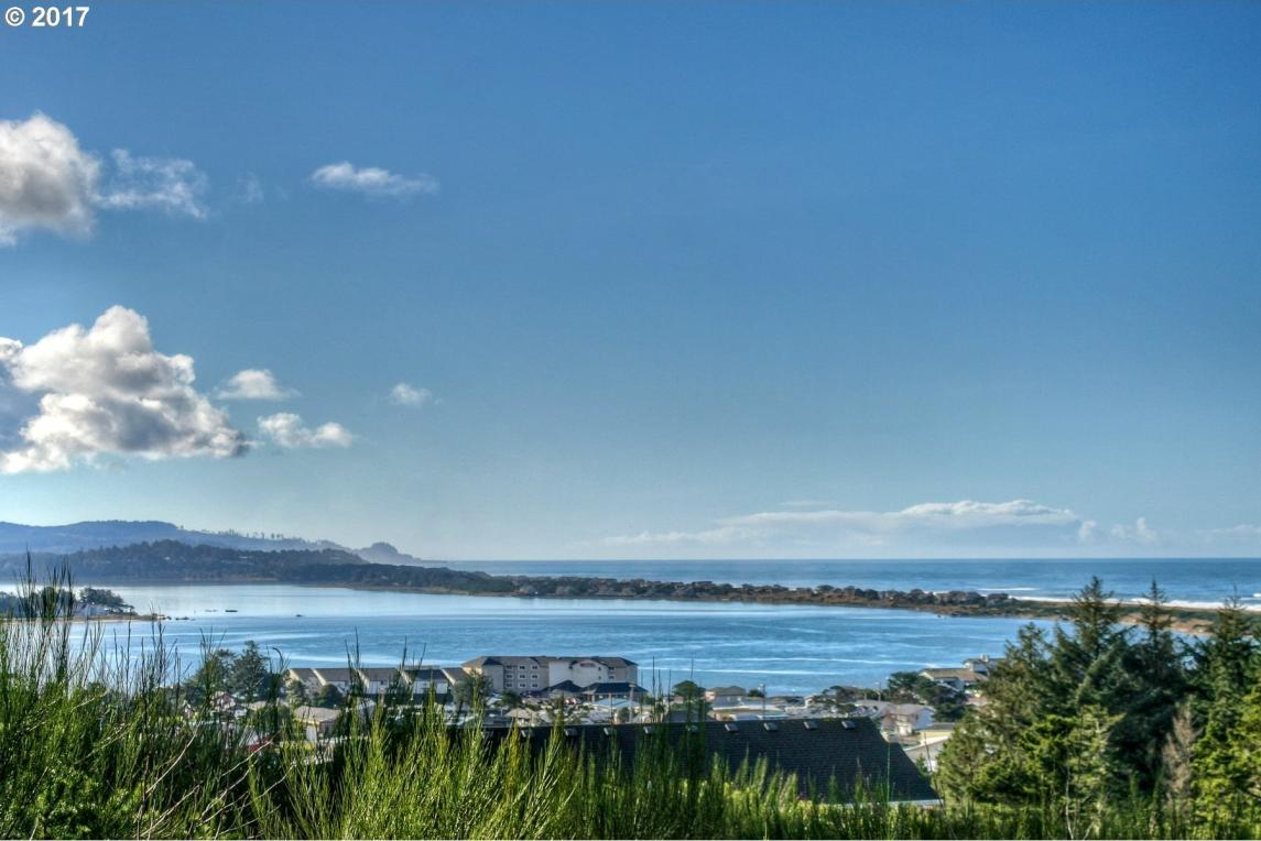 1383 SE 43rd St, Lincoln City, OR 97367